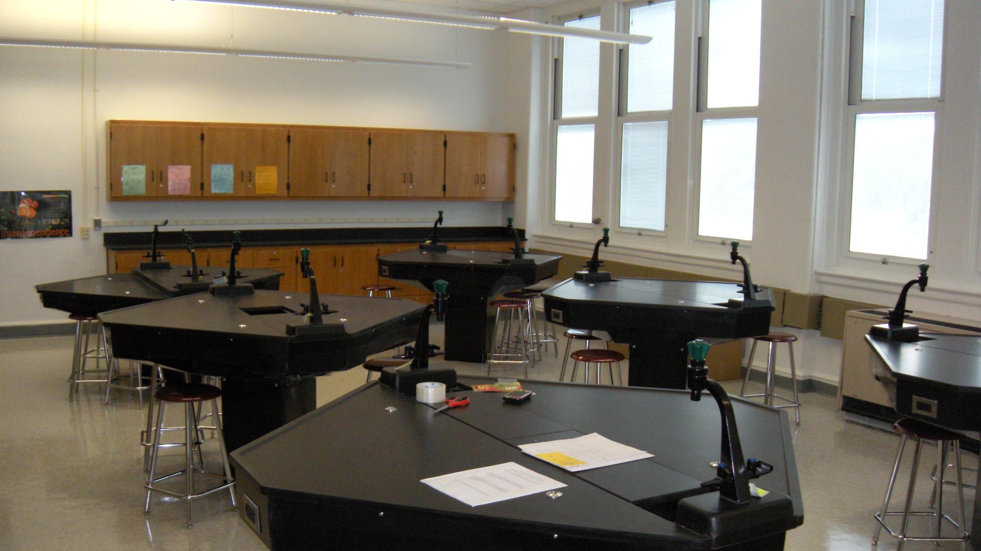 Longo Schools » Sheldon Science Lab Furniture